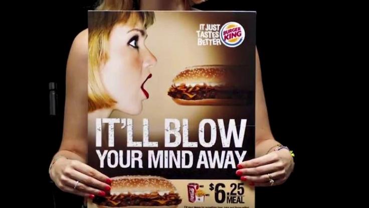 Die beliebte Fast Food Kette will mit diesem Plakat wohl besonders ihre männliche Kundschaft ansprechen.