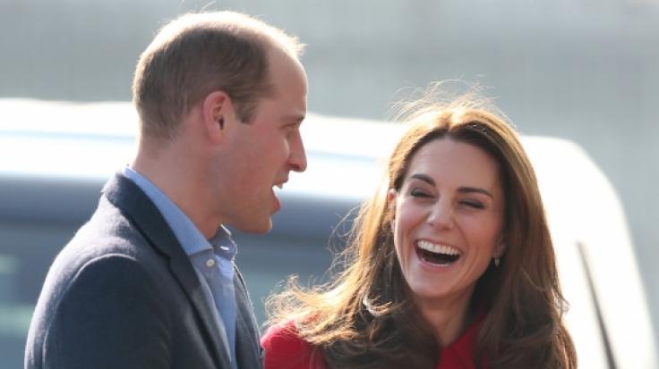 Prinz William und Kate Middleton beglücken ihre Fans vor Weihnachten mit einem zuckersüßen Familienfoto.