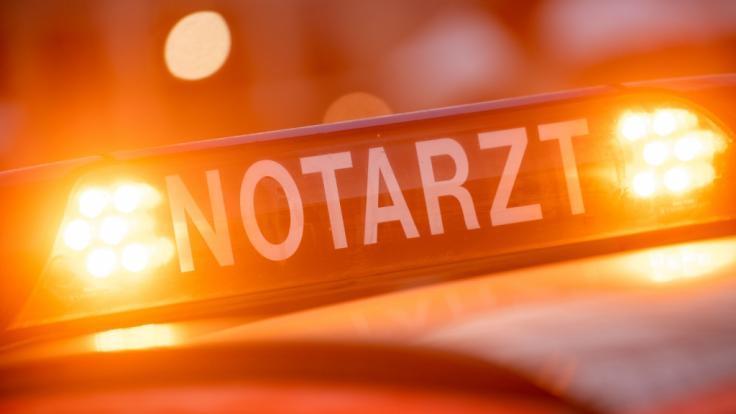 Nach einem tödlichen Unfall am Bielefelder Kreuz, bei dem ein 36 Jahre alter Mann und dessen Sohn (11) starben, ermittelt die Polizei (Symbolbild).