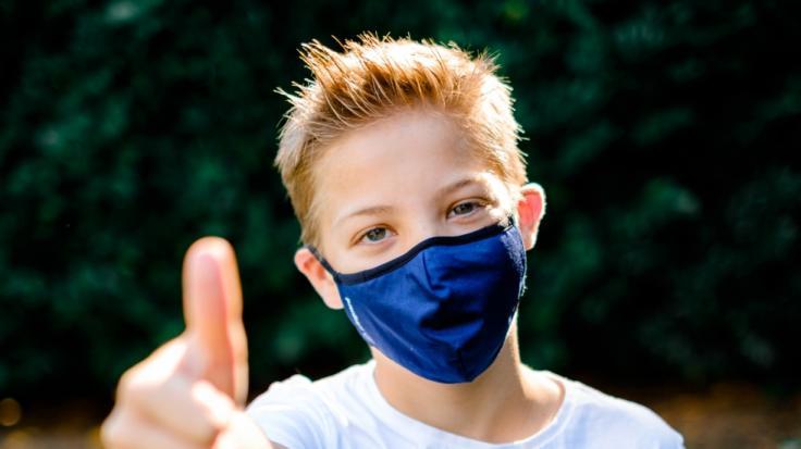 Die wiederverwendbare Livinguard-Maske ist nun auch bei Rossmann erhältlich. (Foto)