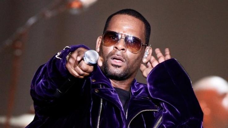R. Kelly während eines Konzertes. (Foto)