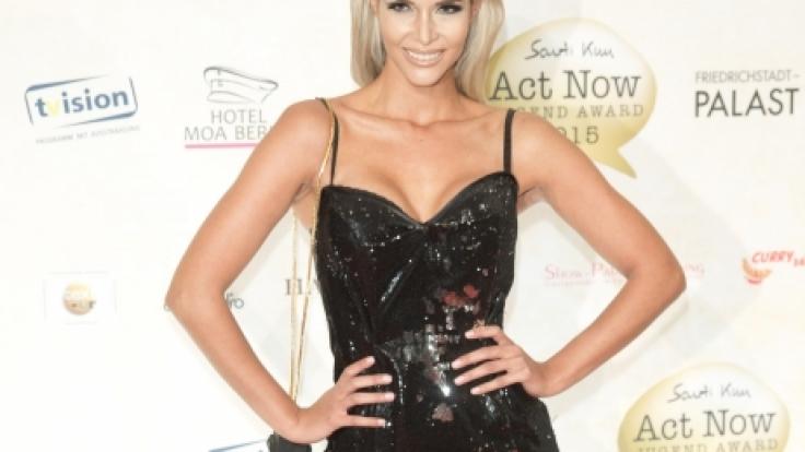 """Micaela Schäfer ist der Cover-Star des südafrikanischen """"Playboys"""". (Foto)"""