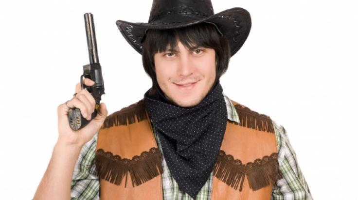 Ein als Cowboy verkleideter Mann sorgte in Stuttgart für einen Polizeieinsatz (Symbolbild). (Foto)
