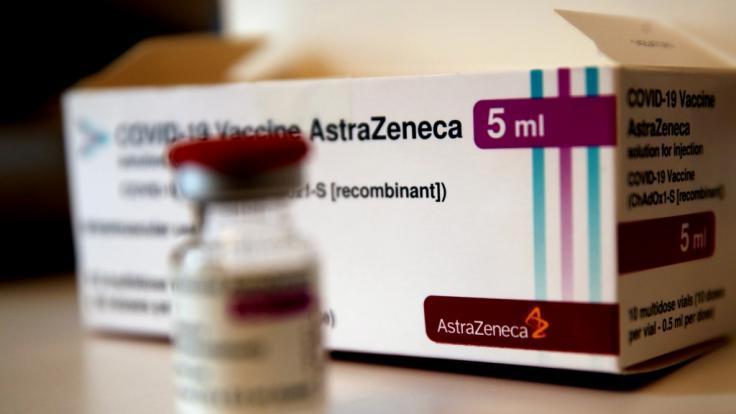 Im Allgäu ist eine Krankenpflegerin nach einer AstraZeneca-Impfung gestorben. (Foto)