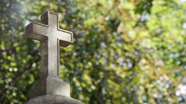 Auf einem Friedhof in Rom werden Frauen nach Abtreibungen bloßgestellt.