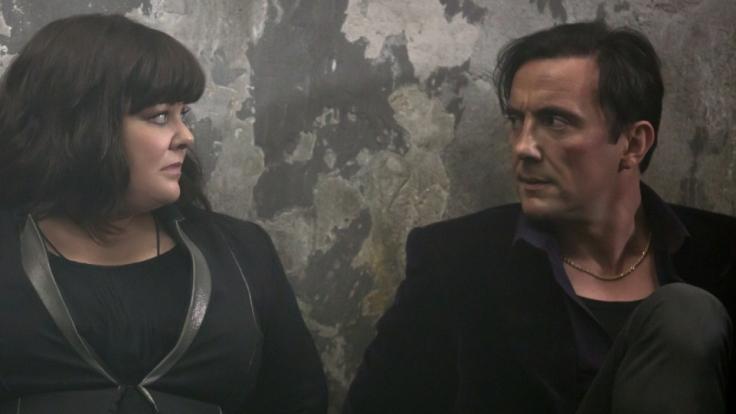 Susan (Melissa McCarthy) und Aldo (Peter Serafinowicz) befinden sich in einer prekären Situation. (Foto)