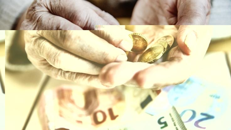 Immer mehr Senioren bekommen Geld aus zwei Renten ausgezahlt. (Foto)