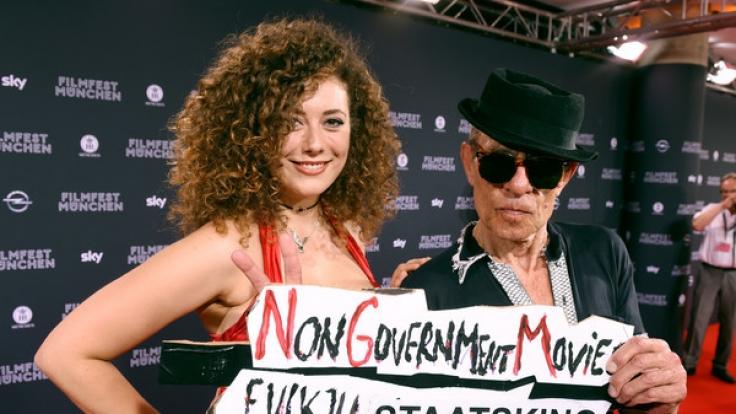 Leila Lowfire mit Filmemacher Klaus Lemke beim Filmfest in München.