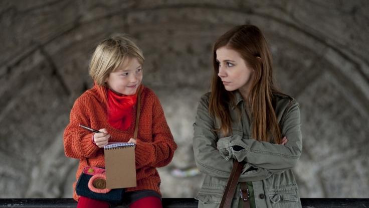 """In """"Lotta und der Ernst des Lebens"""" wird die Titelheldin - hier mit ihrer Filmtochter Lilo, gespielt von Matilda Jork - in eine handfeste Sinnkrise gestürzt. (Foto)"""