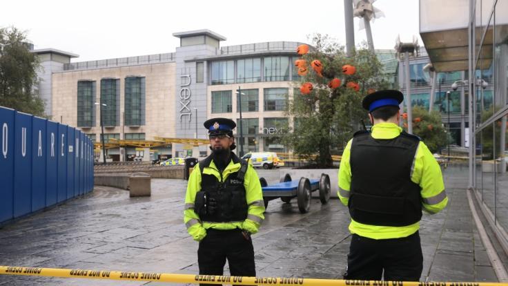 Bei einer Messerstecherei in einem Einkaufszentrum in Manchester sind fünf Menschen verletzt worden. (Foto)