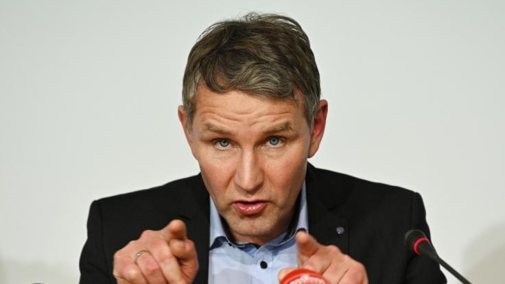 Der Thüringer AfD-Fraktionsvorsitzende Björn Höcke will bei der Ministerpräsidentenwahl am 4. März gegen Bodo Ramelow antreten.