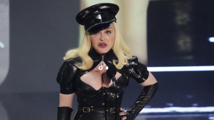 Madonna schockte ihre Fans im Latex-Outfit. (Foto)