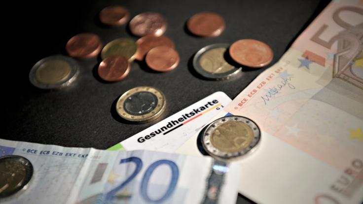 Empfänger von Betriebsrente müssen einen deutlich höheren Beitrag zur Krankenversicherung zahlen. (Foto)