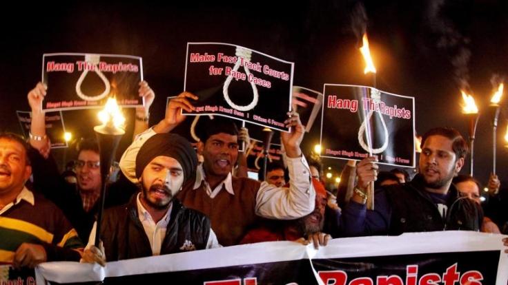 Wütender Protest in Neu Delhi nach der Vergewaltigung und Ermordung einer jungen Inderin im Dezember 2012.