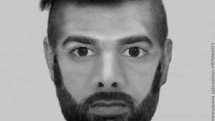 Mit diesem Phantombild sucht die Polizei in NRW nach einem der Männer, der im August 2018 eine Joggerin vergewaltigt haben soll. (Foto)