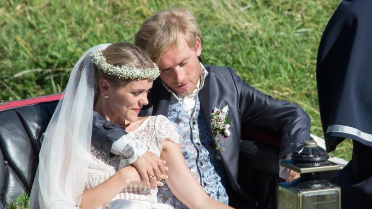 Samuel Koch mit seiner Frau, der Schauspielerin Sarah Elena Timpe.