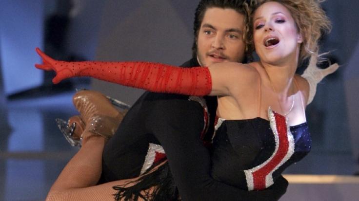 """Michelle und der Eiskunstläufer Jan Luggenhölscher bei """"Dancing on Ice"""" 2006. (Foto)"""