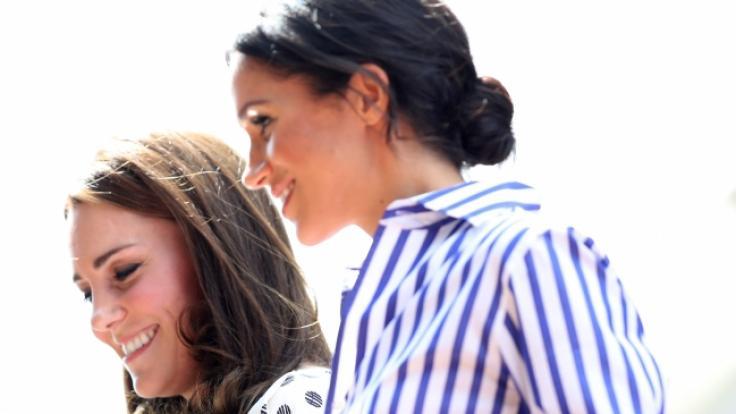 Alles nur Schauspiel? Kate Middleton und ihre Schwägerin Meghan Markle sollen sich alles andere als gut verstehen.