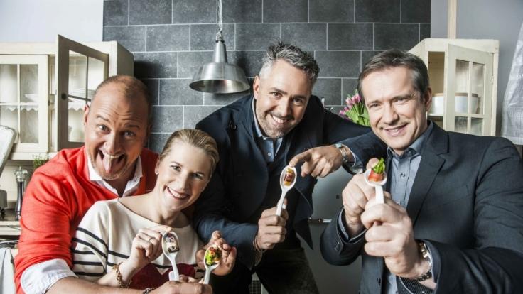 Die Spitzenköche Frank Rosin (l.), Alexander Herrmann (r.), Cornelia Poletto (2.v.l.) und Roland Trettl (2.v.r.) suchen Deutschlands besten Koch. (Foto)