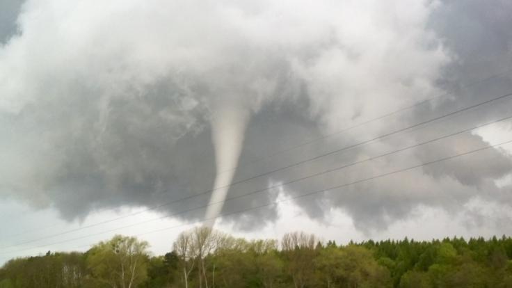 Über Deutschland sorgen schwere Stürme für Gewitter und sogar Tornados. (Foto)