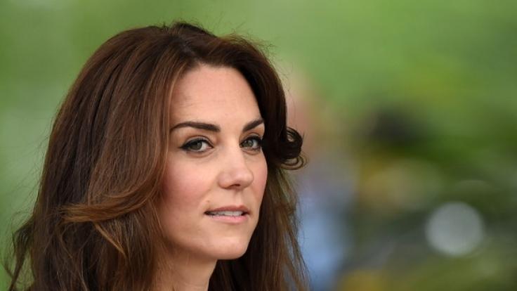 Herzogin Kate ist, glaubt man der Gerüchteküche, in Sachen Beliebtheit beim Volk auf dem absteigenden Ast. (Foto)