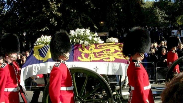 Der Todesfall von Lady Diana erschütterte die Royals und Fans auf der ganzen Welt. (Foto)