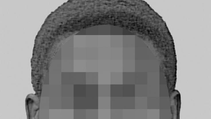 Mit einem Fahndungsfoto suchte die Polizei Bonn nach dem sogenannten Macheten-Vergewaltiger. (Foto)