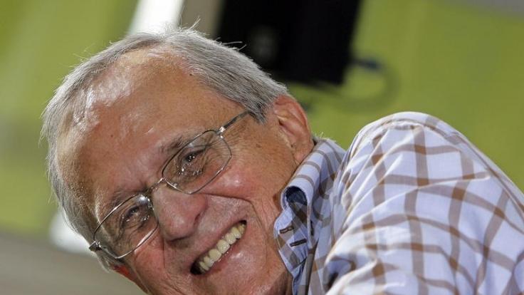 Auch mit 84 Jahren fühlt Kabarett-Altmeister Dieter Hildebrandt sich auf der Bühne immer noch wohl. (Foto)