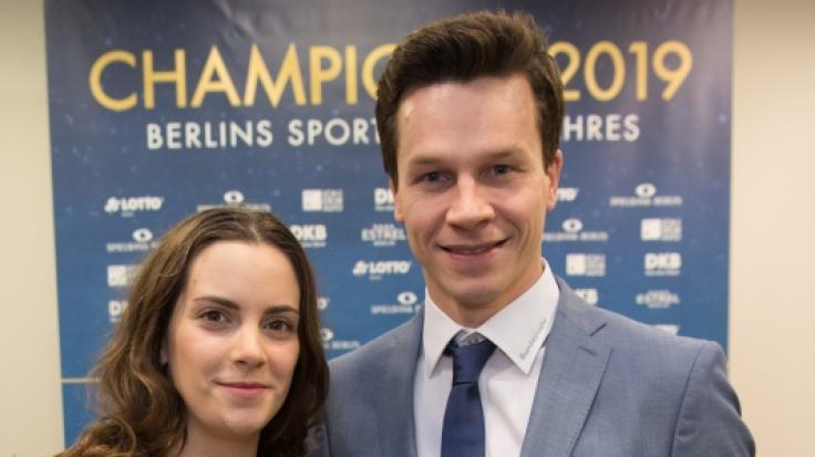 Patrick Hausding, zusammen mit FreundinMarcela Marić bei seiner Wahl zum Berliner Sportler des Jahres 2019. (Foto)
