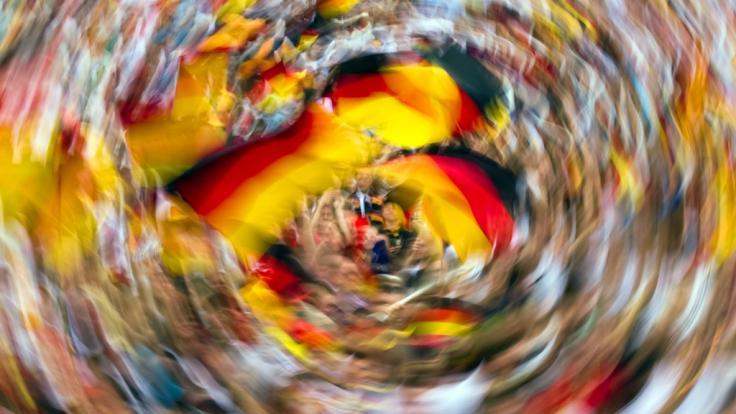 Was wäre eine Fußball-WM ohne die passenden Fan-Songs? (Foto)