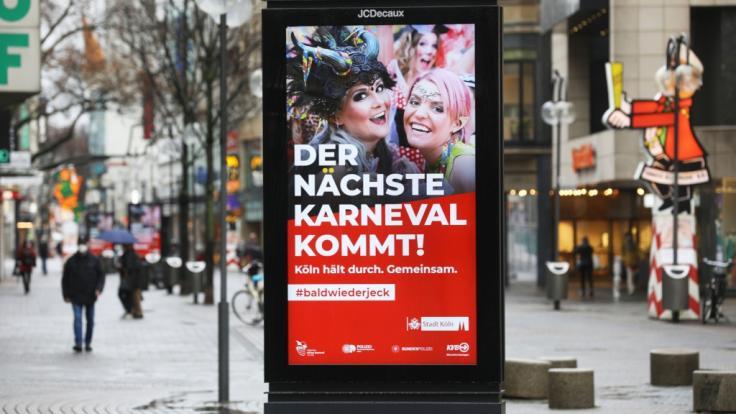 Auch wenn die großen Rosenmontagsumzüge in Köln, Mainz oder Düsseldorf 2021 ausfallen: Karnevalisten finden im TV-Programm ein närrisches Trostpflaster. (Foto)