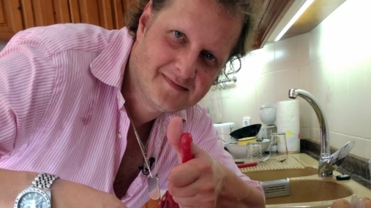 Jens hat sich in Costa de los Pinos eine Finca gemietet - für sich und für seine Fans.