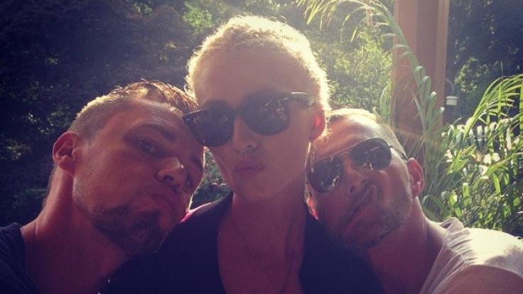 Dieses Foto von Lena Gercke mit zwei Unbekannten gab auf Instagram Anlass zu Spekulationen.