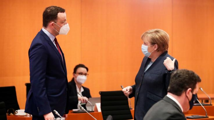 Wurde Gesundheitsminister Jens Spahn beim Thema Impfstoff-Beschaffung etwa von Kanzlerin Angela Merkel wirklich entmachtet? (Foto)