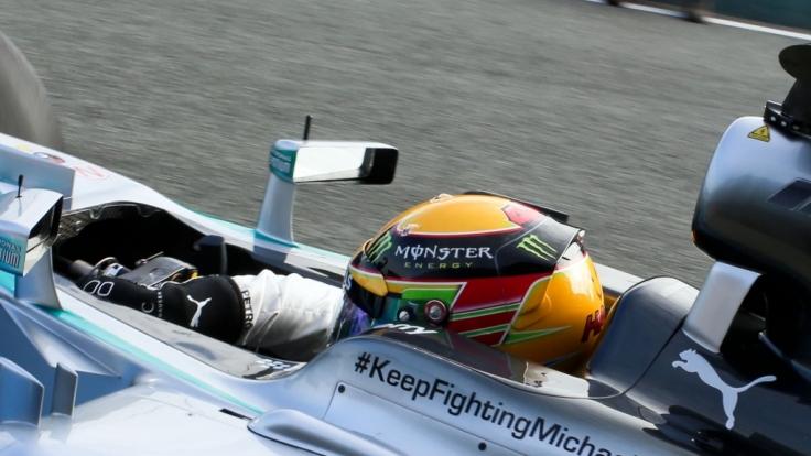 Hat Mercedes Michael Schumacher aufgegeben? Der Schiftzug ist an dieser Stelle nicht mehr zu finden.