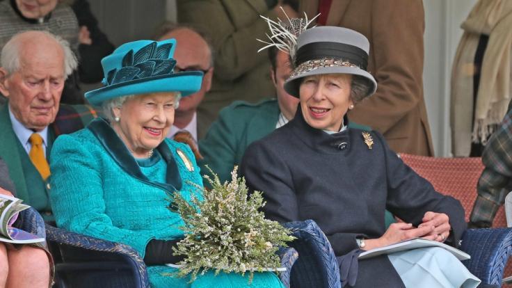 Prinzessin Anne und ihre Mutter QueenElizabeth II.
