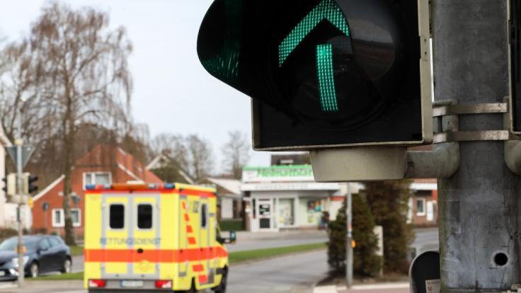 Ein 13-Jähriger ist von einer umstürzenden Ampel tödlich verletzt worden. (Foto)