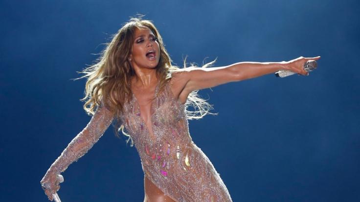 Jennifer Lopez in Höchstform. Nicht mal bei ihrem legendären Superbowl-Auftritt sah man J.Lo so sexy und verschwitzt wie auf ihrem neuesten Instagram-Post. (Foto)