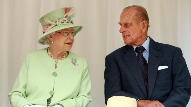 Queen Elizabeth II. und Prinz Philip sind seit 72 Jahren verheiratet.