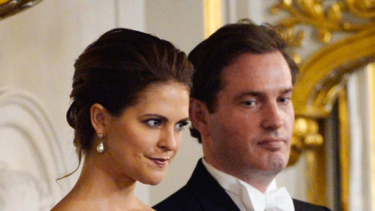 Prinzessin Madeleine ist der Liebe zu Chris O'Neill wegen nach London umgezogen - und muss dafür harte Kritik von ihrem Volk einstecken.