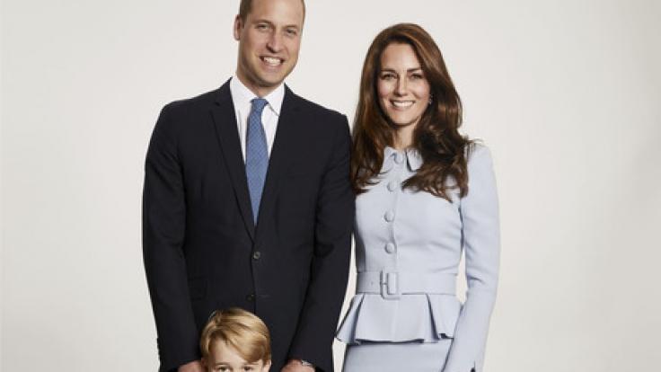 Der britischen Prinz William mit seiner Frau Kate und der beiden Kinder George und Charlotte, aufgenommen am 18.12.2017 in London (Großbritannien). (Foto)