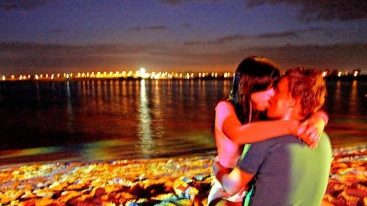 Sex am Strand kann teuer werden. (Foto)