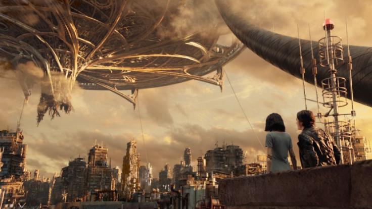 """Die Welten von """"Alita: Battle Angel"""": Unten Iron City, darüber schwebend Zalem. (Foto)"""