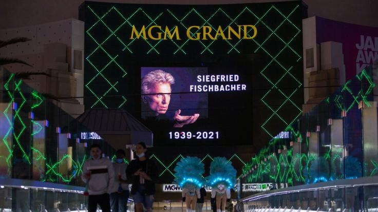 Wo wird Siegfried Fischbacher beerdigt? (Foto)