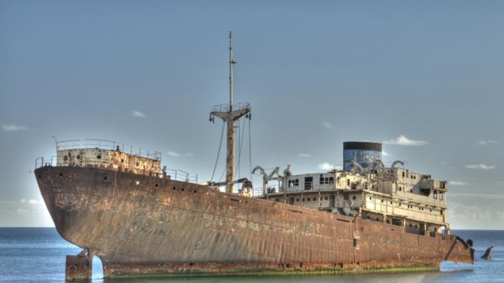 Mysteriöse Geisterschiffe voller Leichen treiben vor der Küste Japans. (Foto)
