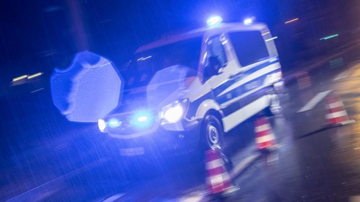Nach einem Raubüberfall in Hessen sucht die Polizei nach den Tätern (Symbolbild). (Foto)