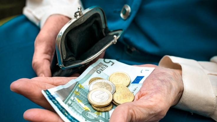 Die Rentenbeiträge sollen schon bald sehr stark ansteigen. (Foto)