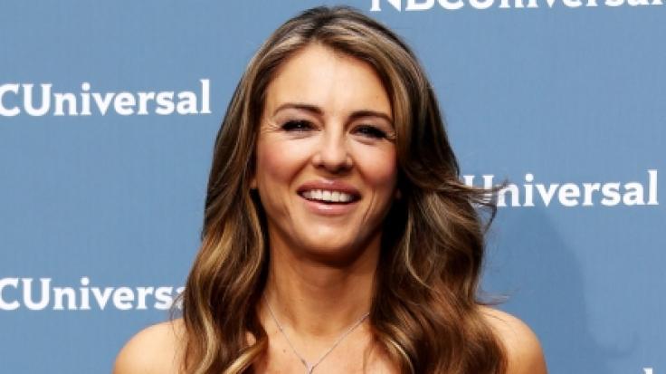 Elizabeth Hurley zeigt sich gern sexy im Netz. (Foto)