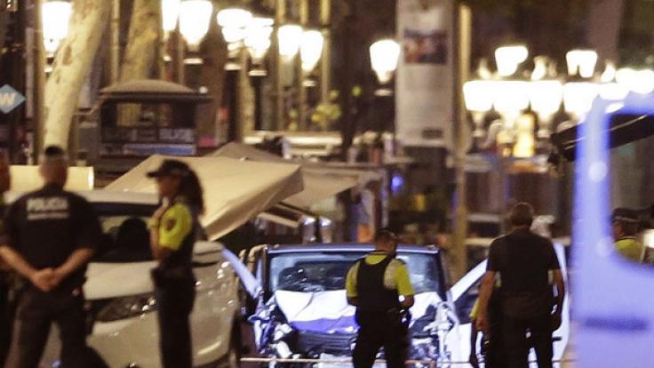 Nach dem Terroranschlag von Barcelona, der mindestens 13 Todesopfer forderte, sind Touristen in der spanischen Metropole zu erhöhter Wachsamkeit aufgerufen.