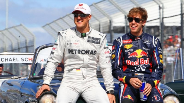 Hier fuhren Michael Schumacher und Sebastian Vettel noch gemeinsam in der Formel 1. Trotz der Konkurrenz blieben sie gute Freunde.